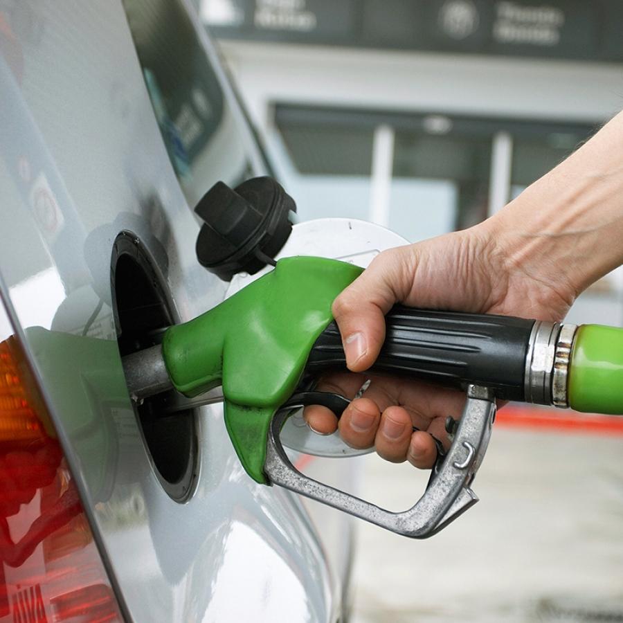Realizamos proyectos de instalación para Gasolineras, Instalaciones de combustible, Almacenamiento de combustible, parques de combustibles.